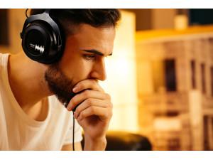 Headphones & Hi-Fi image