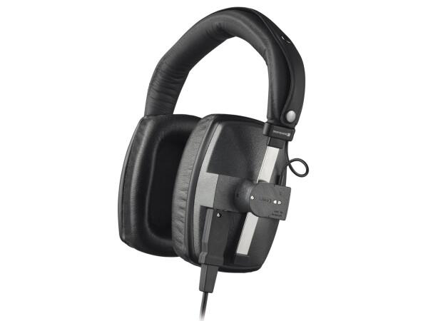 beyerdynamic DT 150 Monitoring Headphones in Black (250 Ohm)