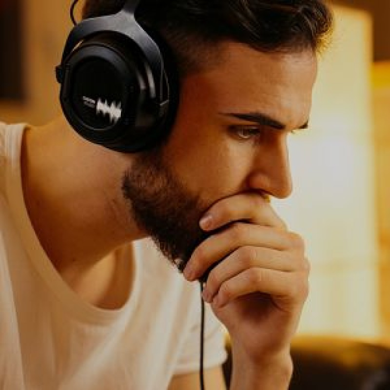 Headphones & Hi-Fi
